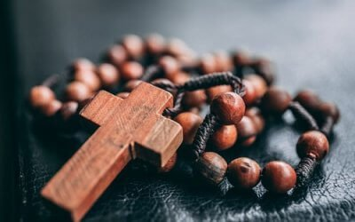 Pope Francis invites us to pray the Rosary during the month of May